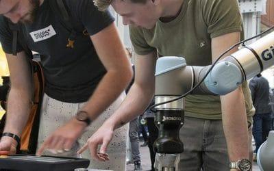 Dag van de robotica: Industriële Robotica vraagt intensieve samenwerking tussen bedrijfsleven en onderwijs